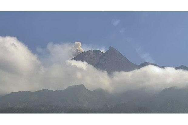 Aktivitas Merapi Tinggi, BPPTKG Catat 2 Kali Semburan Awan Panas dan Guguran Lava Pijar