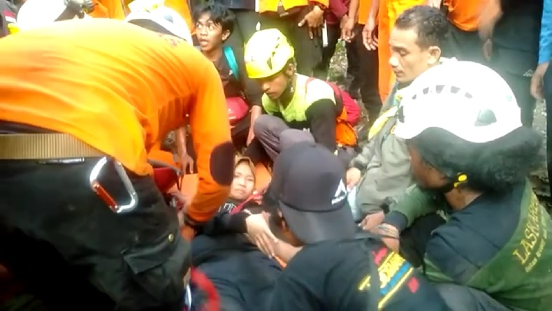 Tim SAR Salut, Eva Pendaki Perempuan Hilang di Gunung Abbo Bisa Bertahan 4 Hari