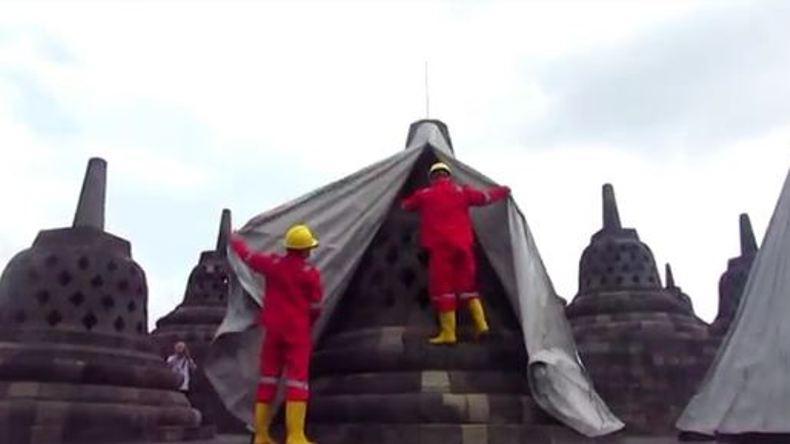 Aman dari Abu Merapi, 72 Terpal Penutup Candi Borobudur Akhirnya Dibuka