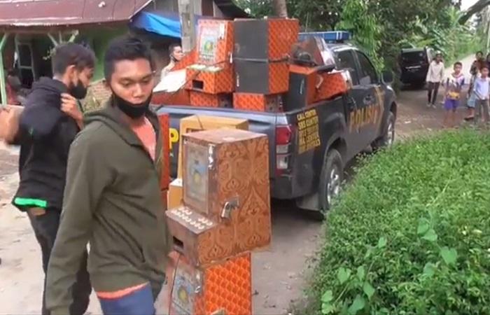Polisi  Gerebek Kampung Narkoba di Deliserdang, Puluhan Mesin Judi Disita