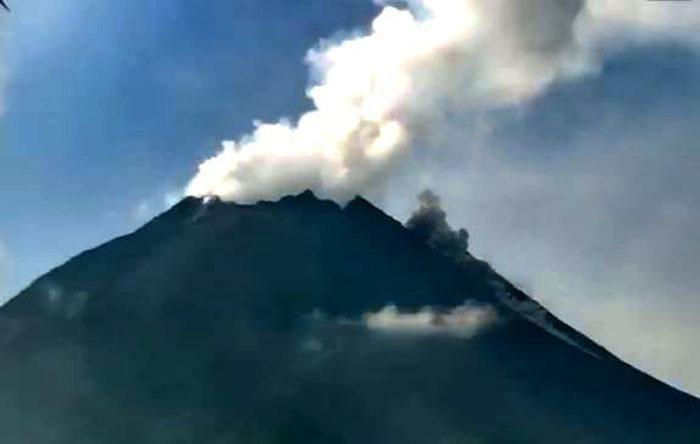 Update Merapi 15 Juni: 2 Kali Semburkan Awan Panas dan 16 Kali Lava Pijar