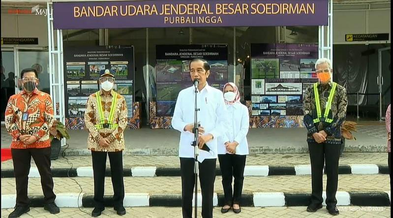 Tinjau Bandara JB Soedirman, Jokowi Senang meski Terminal Darurat tapi Sudah Beroperasi