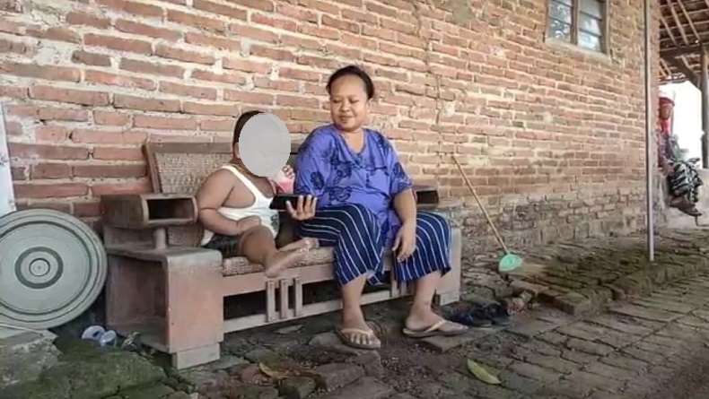 Kurang Pengawasan Orang Tua, Balita di Indramayu Punya Kebiasaan Makan Batu Bata
