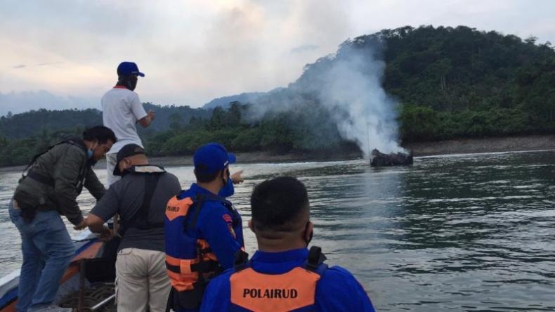 Kapal Motor Sekar Tanjung 1 Dibakar Warga di Perairan Tanggamus