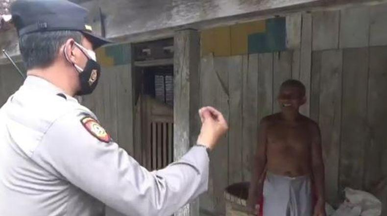 Takut Divaksin Covid-19, Lansia di Grobogan Ini Kabur Masuk Rumah