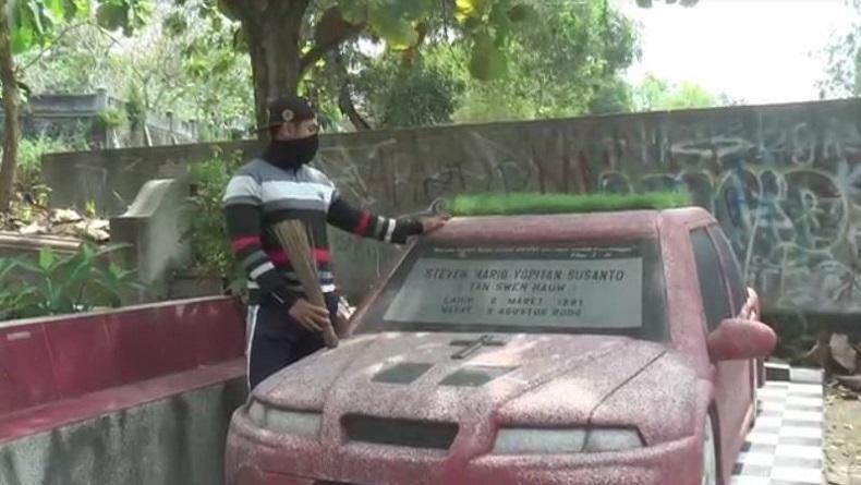 Viral Nisan di Bantul Berbentuk Mobil BMW, Sering Dijadikan Warga Lokasi Berswafoto