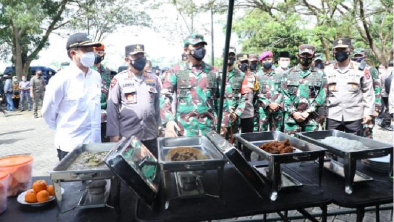 Usai Beri Arahan ke Forkopimda Bangkalan, Panglima TNI Cek Dapur Lapangan Prajurit