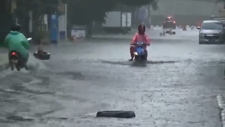 Drainase Buruk Jadi Penyebab Banjir Kerap Rendam Ruas Jalan di Kota Bandung