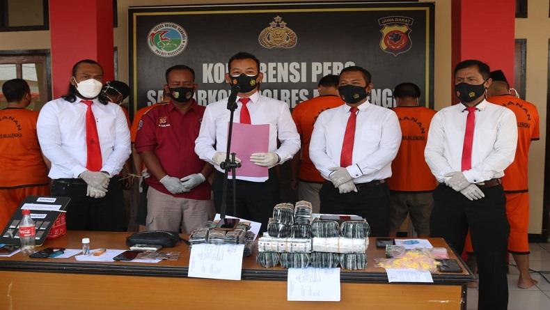 10 Pengedar Ditangkap di Majalengka, 15.700 Butir Obat Terlarang dan 17 Paket Narkoba Disita