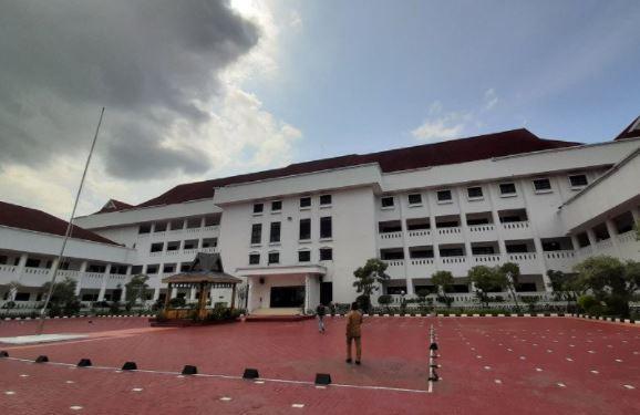 Kantor Gubernur Kepri Dibobol Maling, Puluhan Komputer Hilang