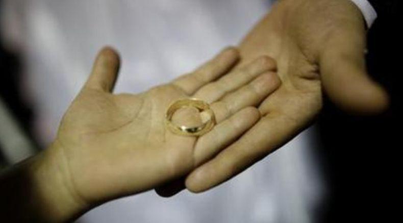 Duh, Perempuan Ini Terancam Dicerai Suami karena Vaksin Covid