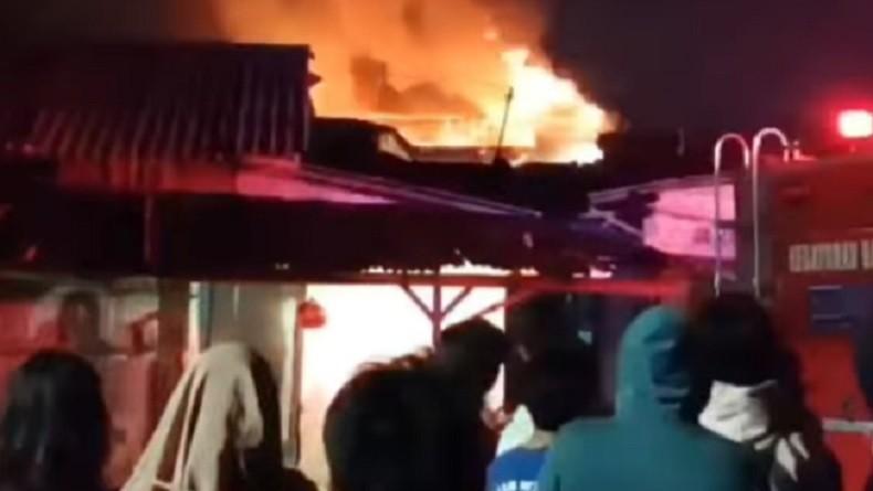 Kebakaran di Kebayoran Baru, Rumah Warga Ludes