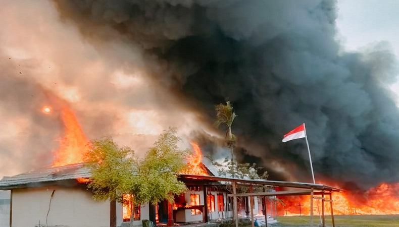 Aksi Pembakaran Massa Pendukung Erdi Dabi-John Wilil di Yalimo Bikin Rugi Rp324 Miliar