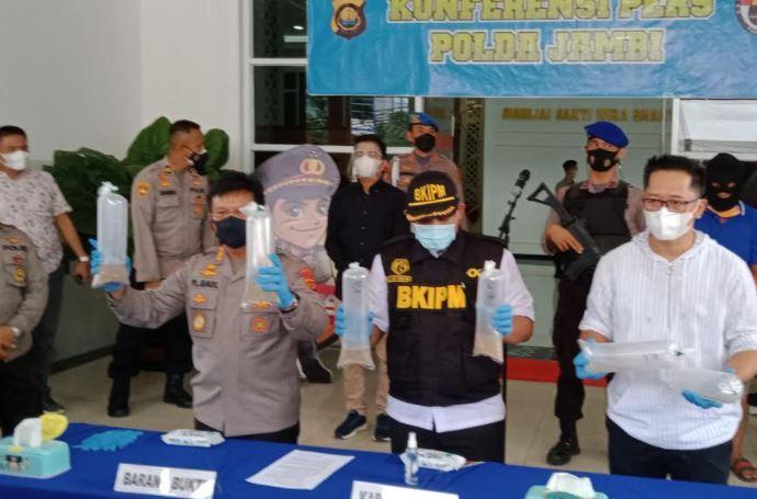 Polisi Tangkap Sopir Pajero Bawa Baby Lobster Senilai Rp9 M di Jambi