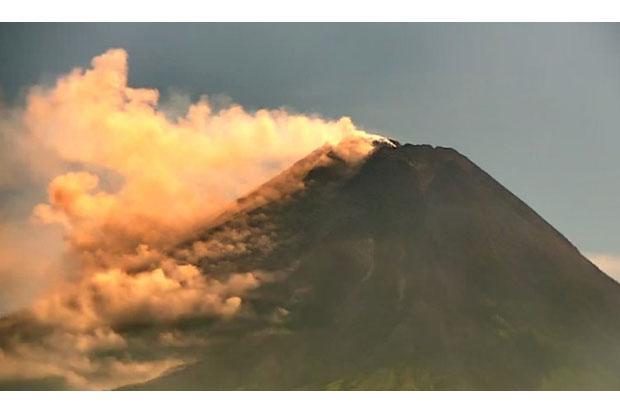 Aktivitas Merapi Tinggi, Kubah Lava di Tengah Kawah Capai 2,8 Juta Meter Kubik