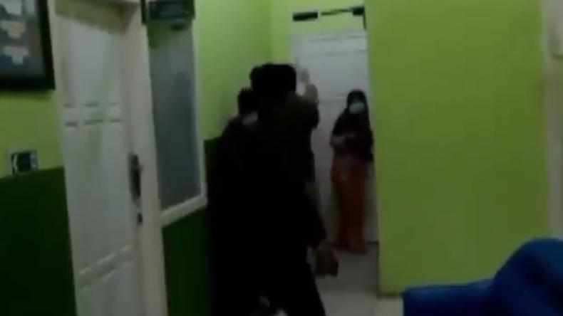 Tak Pinjami Tabung Oksigen, Nakes di Lampung Bonyok Dikeroyok 3 Orang