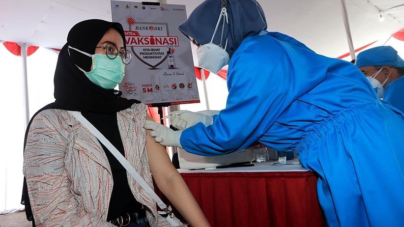 Kemenparekraf Gelar Serbuan Vaksin Covid-19 di Kawasan Wisata Lembang KBB