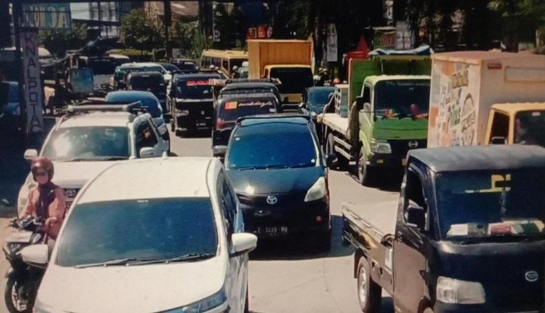 Akses ke Kota Cirebon Ditutup Selama PPKM Darurat, Jalur Pantura Macet
