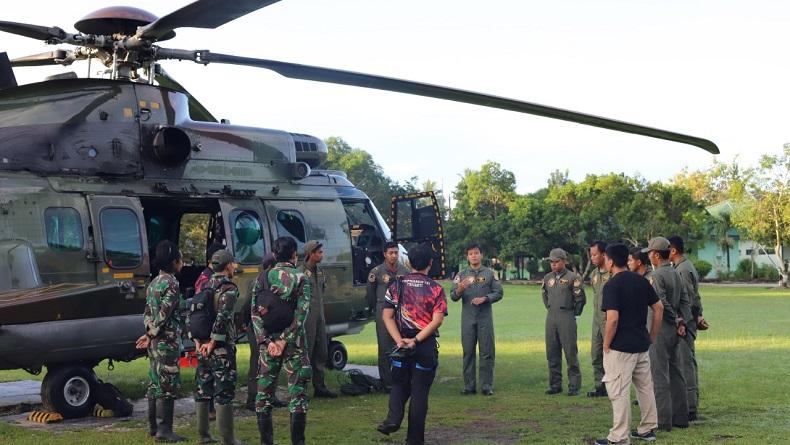 Evakuasi Jenazah Terduga Teroris MIT di Jurang Sedalam 50 Meter, TNI Turunkan Helikopter