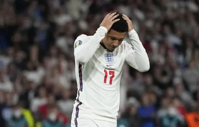 Jadon Sancho Buka Suara Usai Gagal Penalti di Final Euro 2020, Ini Pengakuannya