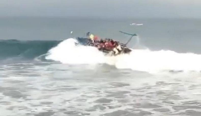 Perahu Terbalik Dihantam Ombak, Nelayan Nagan Raya Tewas Tenggelam di Laut