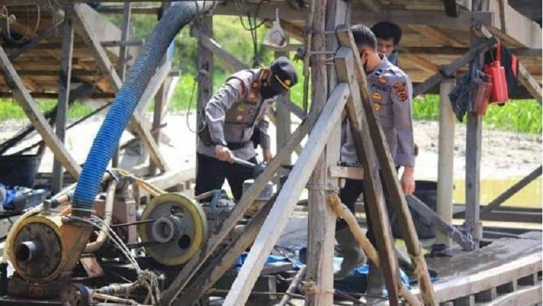 Polisi Gerebek Tambang Ilegal di Danau Tanduk, Para Penambang Kabur Masuk Kebun