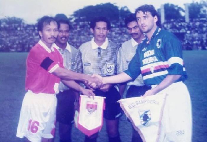 Kenangan Pahit Roberto Mancini di Medan: Dipermalukan Timnas Indonesia