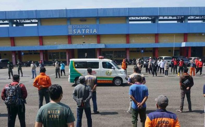 Momen Haru Penghormatan Terakhir Relawan Covid-19 Gugur dalam Tugas di Purwokerto