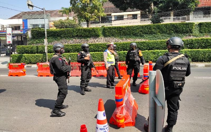 Penyekatan saat Idul Adha di Kota Bandung Lebih Ketat, Brimob Bersenjata Dikerahkan