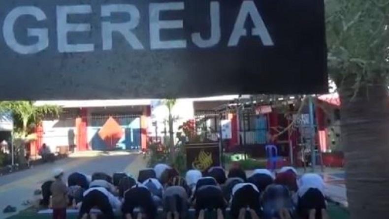 Warga Binaan Rutan Kupang Sholat Id di Halaman Gereja, Doakan Pandemi Segera Berlalu