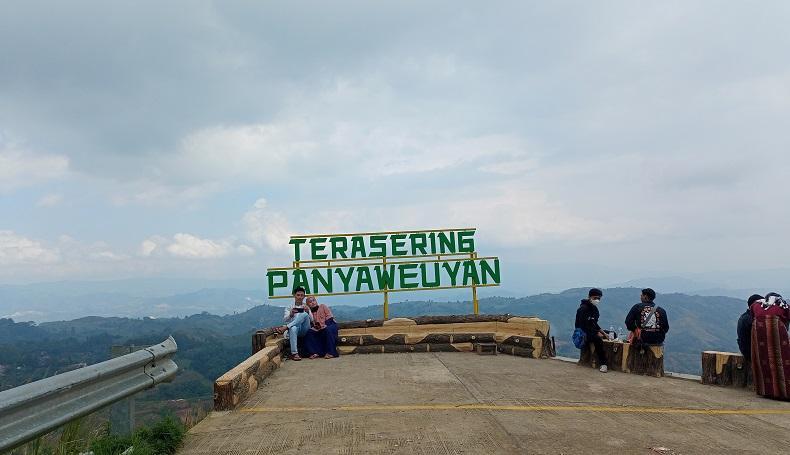 Wisata Alam Panyaweuyan Majalengka Semakin Instagramable di saat PPKM Darurat