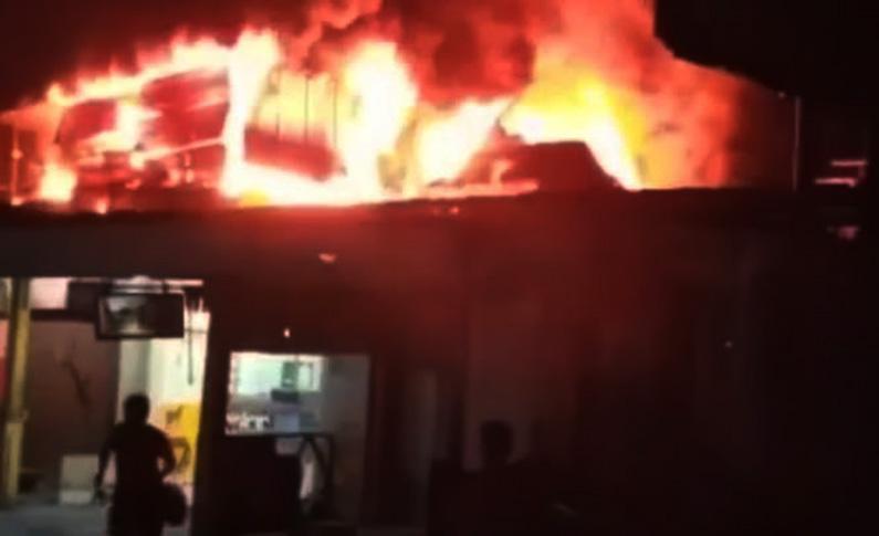 Rumah Dalang Ternama di Semarang Ludes Terbakar, Kerugian Ditaksir Miliaran Rupiah