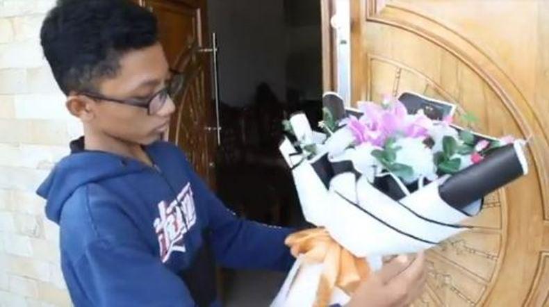 Mantul, Pelajar di Blora Ini Raup Omzet Jutaan Rupiah dari Bisnis Karangan Bunga
