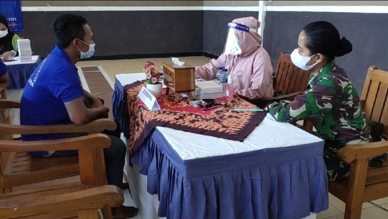 Serbuan Vaksinasi TNI Sasar Ratusan Warga Binaan Rutan Blora