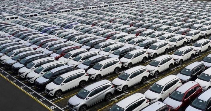 Terdongkrak Insentif PPn BM, Adira Catat Pembiayaan Kendaraan Naik 17 Persen