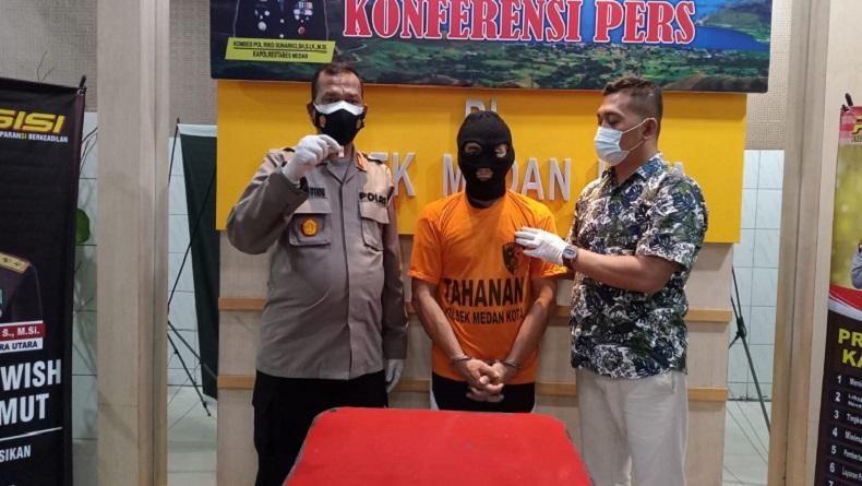 Sembunyikan Sabu di Sarung Tangan, Pria Paruh Baya di Medan Ditangkap