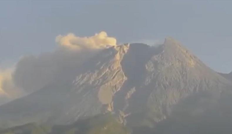 Waspadai Guguran Lava dan Awan Panas Gunung Merapi Sejauh 5 Km