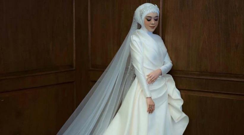 Potret Cantik Lesti Kejora Pakai Gaun Putih di Acara Tasyakuran, Riasannya Bikin Pangling