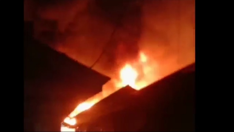 Kebakaran Rumah Dua Lantai di Cengkareng Diduga karena Korsleting Kabel Kulkas