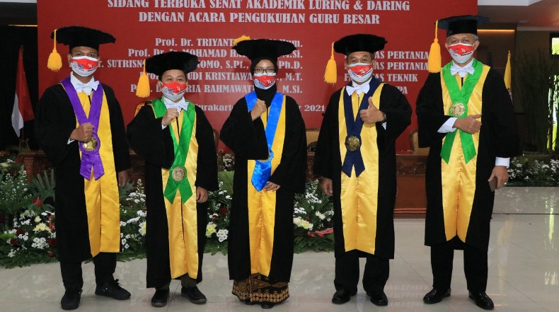 5 Guru Besar UNS Dikukuhkan Secara Bersamaan