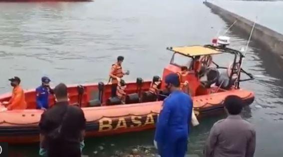 Cilegon Gempar, 2 Pria Nyaris Bugil Ditemukan Tewas Mengapung di Kawasan Pelabuhan