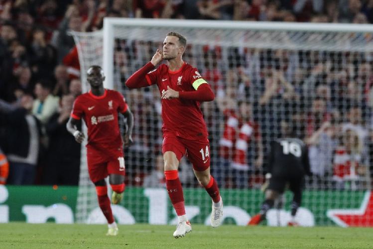 Tengok Lagi Gol Dahsyat Henderson ke Gawang AC Milan: Seperti Kerasukan Gerrard