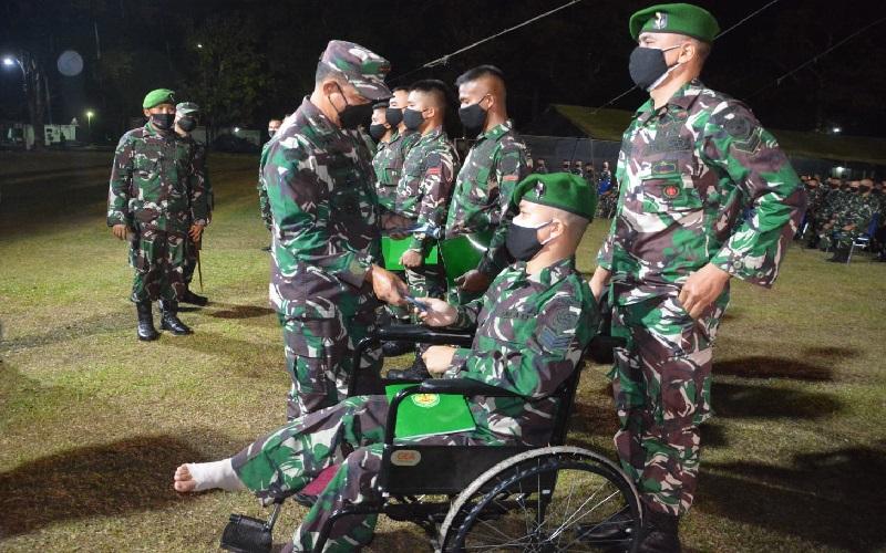 Pangdam Siliwangi Ingatkan Prajurit Yonif 310/KK Sukabumi Sholat Subuh