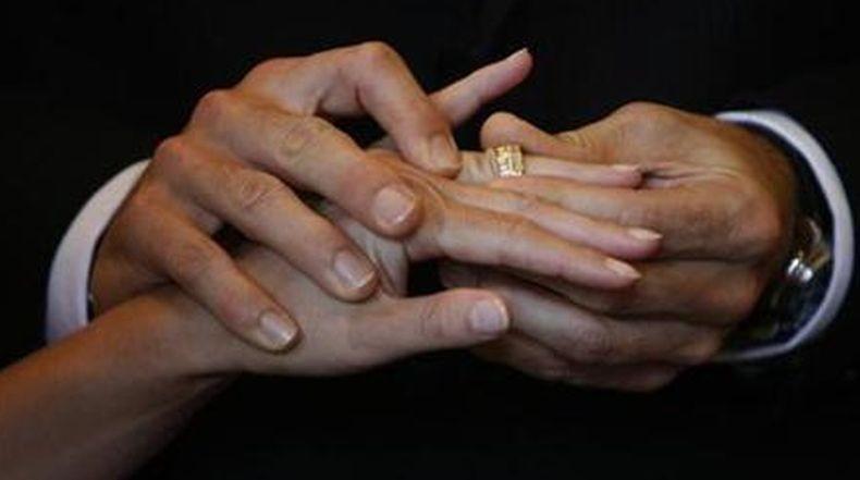 Selingkuh dengan 13 Pria, Istri Harus Bayar Ganti Rugi Ratusan Juta Rupiah ke Suami