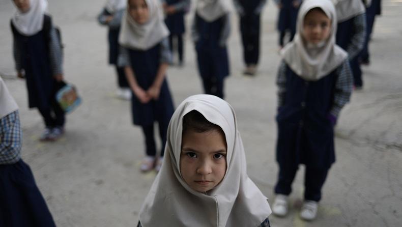 Taliban Izinkan Siswa Laki-Laki Sekolah Menengah Lanjutkan Pendidikan