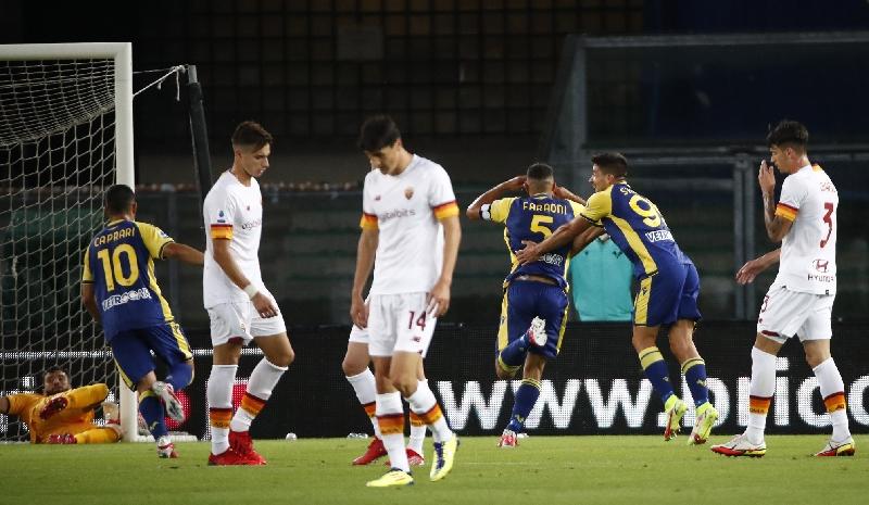 Mourinho Akui Salah Strategi, Rekor Kemenangan Beruntun AS Roma Terhenti di Verona