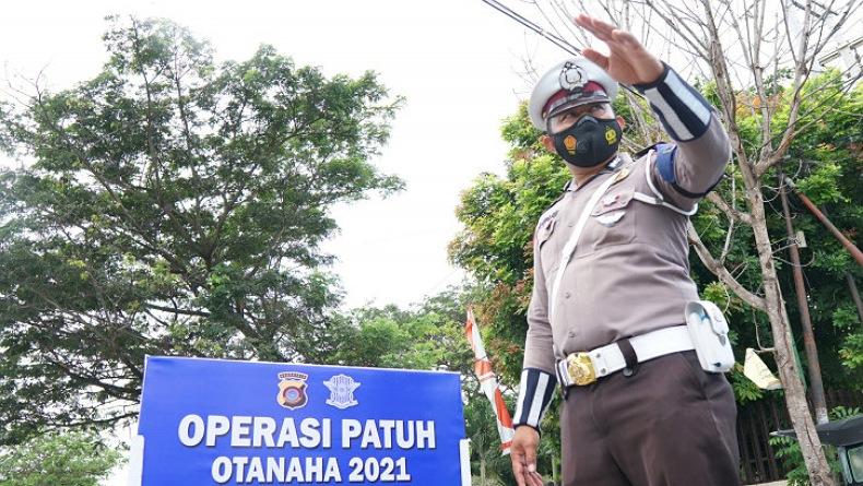 Polda Gorontalo Gelar Operasi Patuh Otanaha 2021, Cek Kartu Vaksin Pengguna Jalan