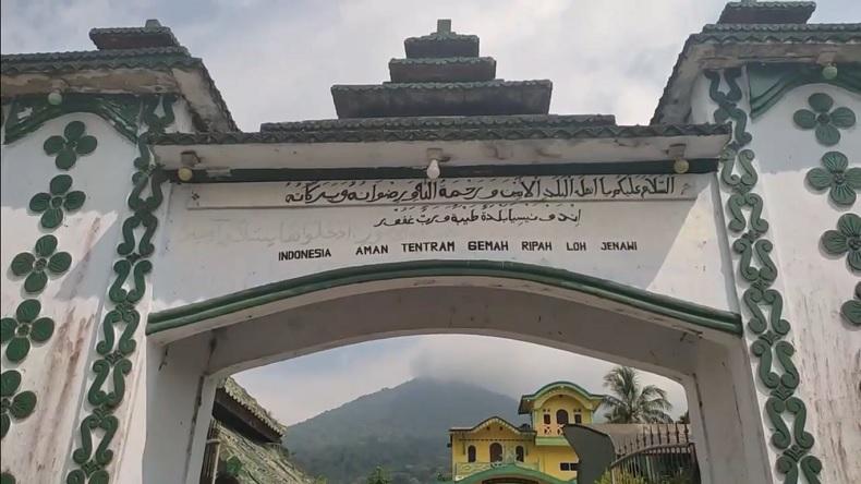 Penampakan di Dalam Kerajaan Angling Dharma, Tertulis Surat Cinta untuk Baginda
