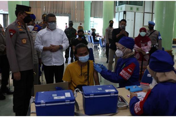 Persiapan PTM, Vaksinasi Merdeka Sasar 18.000 Peserta di Enam Lokasi