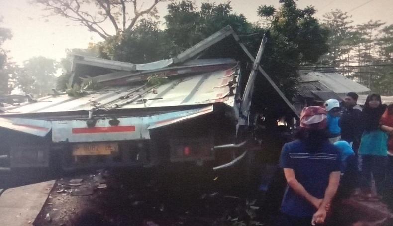 4 Jam Dievakuasi, Ini Identitas Korban Tabrakan Truk di Jalan Raya Cianjur-Sukabumi